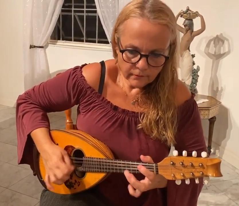 Vivi Gkeka - Mandoline